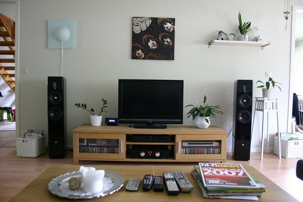 speakers for living room decorations