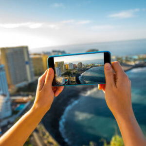 Ways to Travel Safer and Smarter With the Help of Your Smartphone